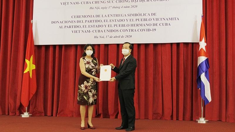 Việt Nam - Cuba: Hợp tác, hỗ trợ lương thực, y tế ứng phó với bệnh dịch