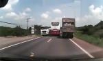 [VIDEO] Xe khách Thành Bưởi liên tục chạy ẩu trên quốc lộ 20