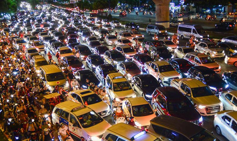 Sở Giao thông Vận tải TP HCM: Thu phí ôtô vào trung tâm vì kẹt xe đang nghiêm trọng