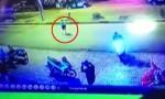 [VIDEO] Xe máy tông cô gái sang đường văng 10 mét