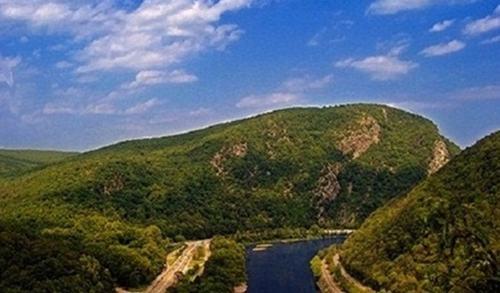 Đường mòn Appalachian (Mỹ) có độ dài 3,510km và phải mất 5 triệu bước chân  để đi hết đường mòn này: Từ dãy núi Appalachian của Mount Springer,  Georgia, ...