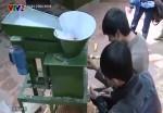 Máy tách ngô do học sinh lớp 10 chế tạo