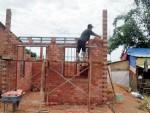 Đất ở tại xã có được vay vốn hỗ trợ xây nhà?