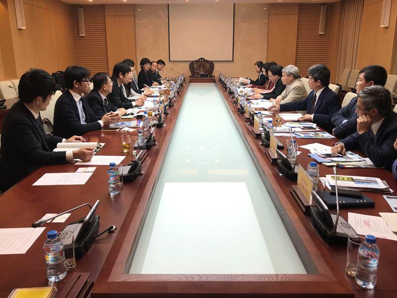 Thứ trưởng Bùi Phạm Khánh tiếp Phó Thống đốc tỉnh Kochi Nhật Bản