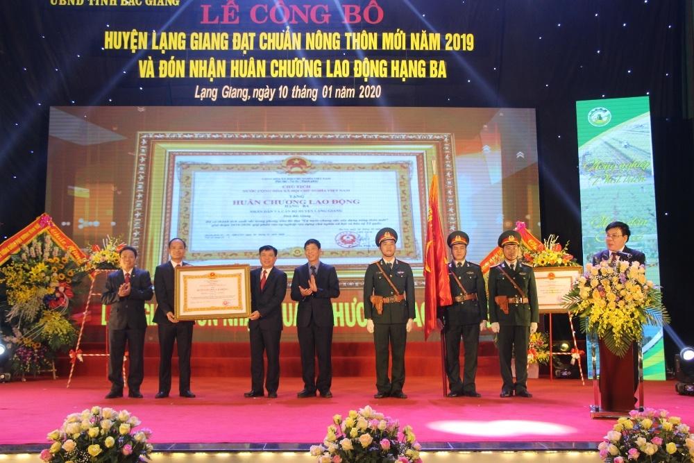Lạng Giang (Bắc Giang): Đón Bằng công nhận đạt chuẩn huyện Nông thôn mới