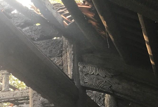 Cháy sập mái di tích quốc gia chùa Cự Đà