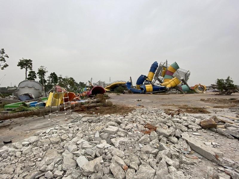Hà Nội: Cưỡng chế phá dỡ công viên nước Thanh Hà khiến nhiều người xót xa, bức xúc