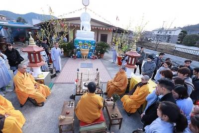 Tại sao Việt Nam giờ mới có công trình tâm linh chùa lớn?