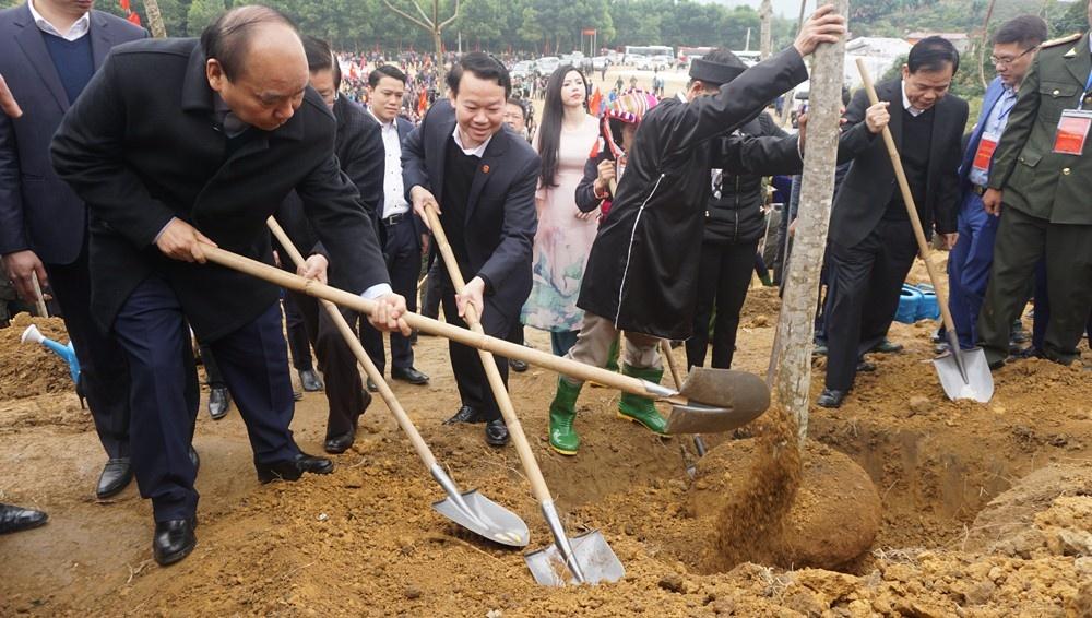 Thủ tướng Chính phủ Nguyễn Xuân Phúc tham dự Tết trồng cây Xuân Canh Tý 2020