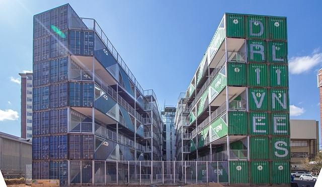 Khó tin tòa chung cư 6 tầng làm hoàn toàn từ container