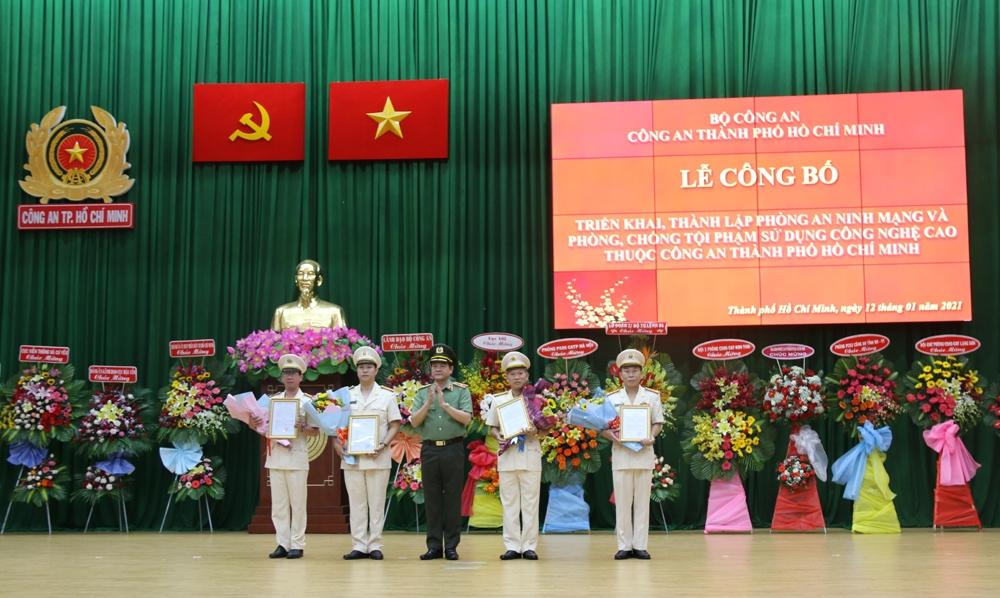 Thành phố Hồ Chí Minh: Công bố quyết định thành lập Phòng An ninh mạng và phòng, chống tội phạm sử dụng công nghệ cao