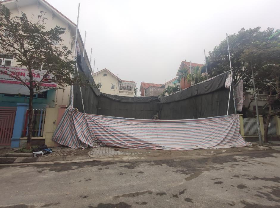 Làm rõ việc xây dựng nhà ở gây ô nhiễm, phá vỡ quy hoạch chung tại làng Việt kiều Châu Âu