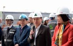 Thứ trưởng Bùi Phạm Khánh và Chủ tịch CĐXDVN Nguyễn Thị Thủy Lệ thăm, tặng quà CNLĐ ngành Xây dựng nhân dịp Tết Mậu Tuất 2018