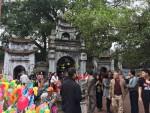 Hưng Yên: Đông đảo du khách đi lễ chùa đầu xuân