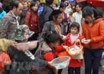 Kiểm soát hiện tượng người ăn xin đeo bám du khách tại các lễ hội