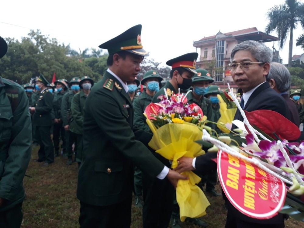 """Tam Dương (Vĩnh Phúc): Lễ giao nhận quân năm 2020 """"đặc biệt"""" trong mùa dịch Corona"""