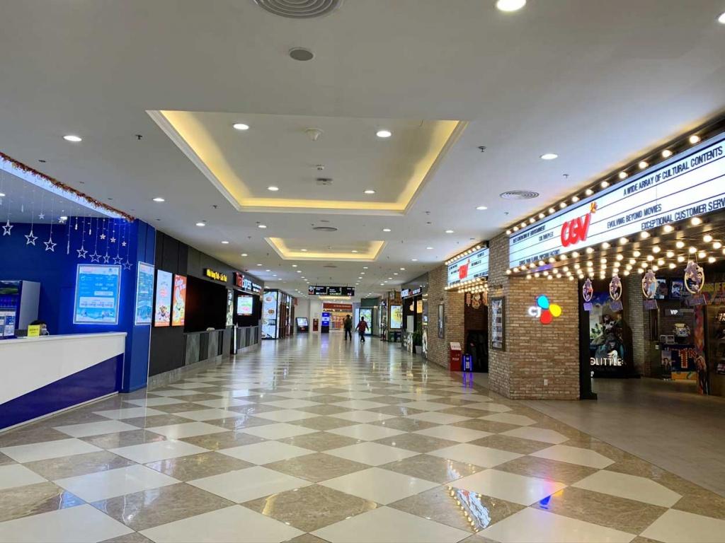 Hà Nội: Các trung tâm thương mại vắng khách do ảnh hưởng của dịch bệnh COVID 19
