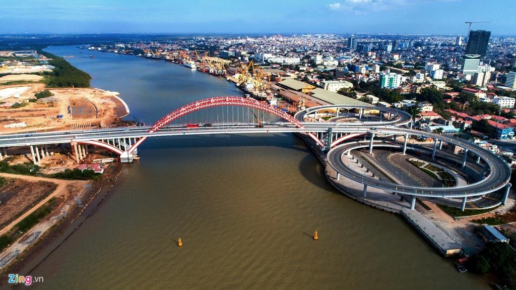 Những chiếc cầu vượt sông, vượt biển của thành phố Cảng