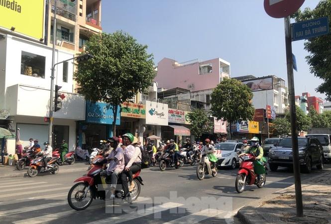 Nhịp sống Sài Gòn dần 'vui' trở lại