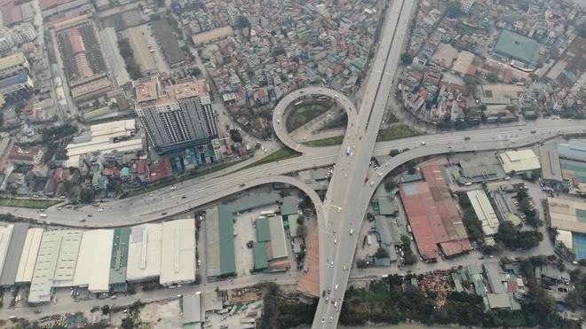 Toàn cảnh giao thông cầu Vĩnh Tuy trước khi xây cầu Vĩnh Tuy 2