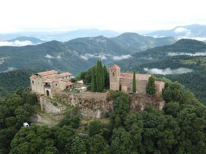 Cả lâu đài cho thuê 380 USD một ngày