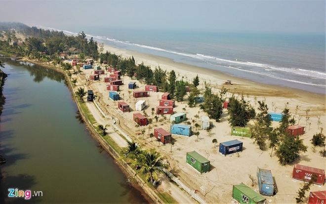 130 phòng nghỉ container 'mọc' giữa rừng phòng hộ ven biển