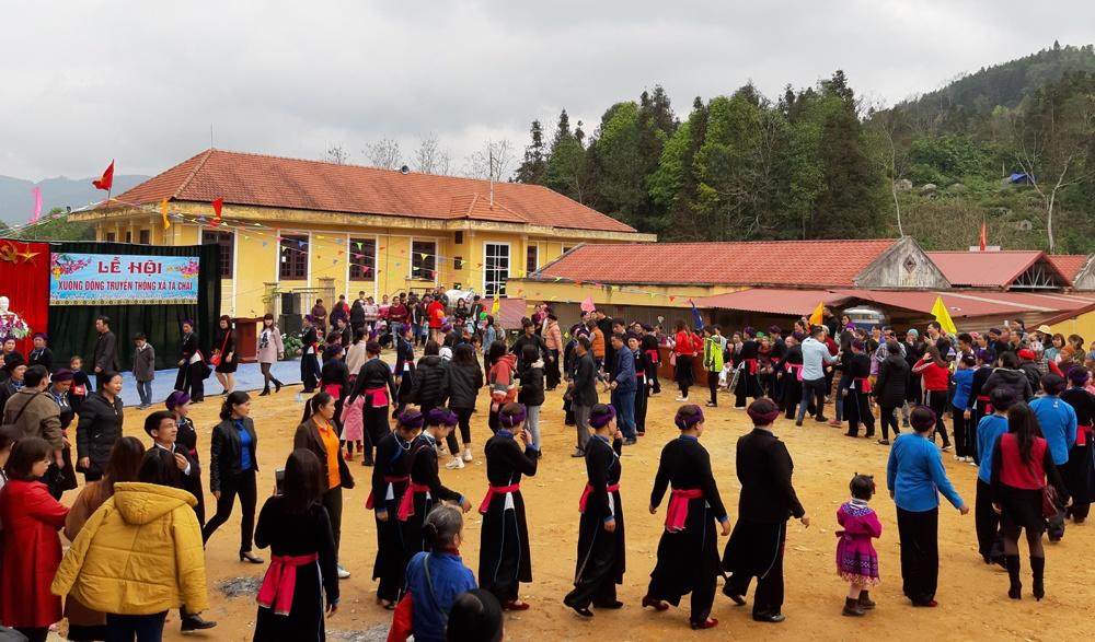 Bắc Hà (Lào Cai): Phát triển kinh tế không tách rời bản sắc văn hóa