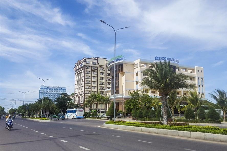 Bình Định tăng tốc di dời ba khách sạn, trả không gian biển cho dân