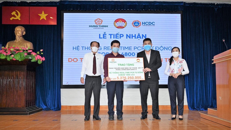 Hưng Thịnh tặng máy xét nghiệm Covid – 19 tự động cho Thành phố Hồ Chí Minh