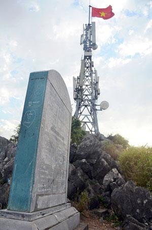 Di tích núi Bài Thơ bị xuống cấp nghiêm trọng