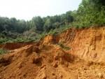 Quảng Nam: Doanh nghiệp tự ý khai thác, vận chuyển đất, đe dọa an toàn thủy điện