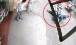 [VIDEO] Xe máy gây tai nạn liên hoàn vì phanh gấp