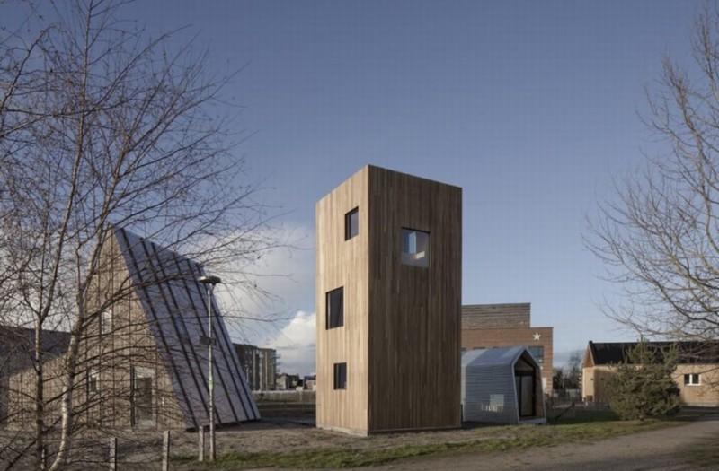 Ngôi nhà nhỏ và mỏng tạo ảo giác về không gian