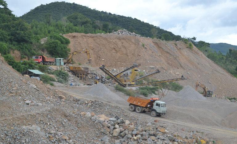 Bộ Xây dựng cho ý kiến về bổ sung mỏ đá gabro Sơn Xuân