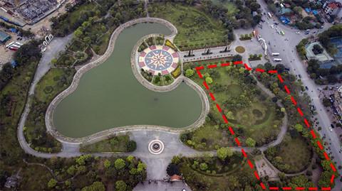 Toàn cảnh 'lá phổi xanh' của Cầu Giấy bị xin xén đất làm bãi đỗ xe