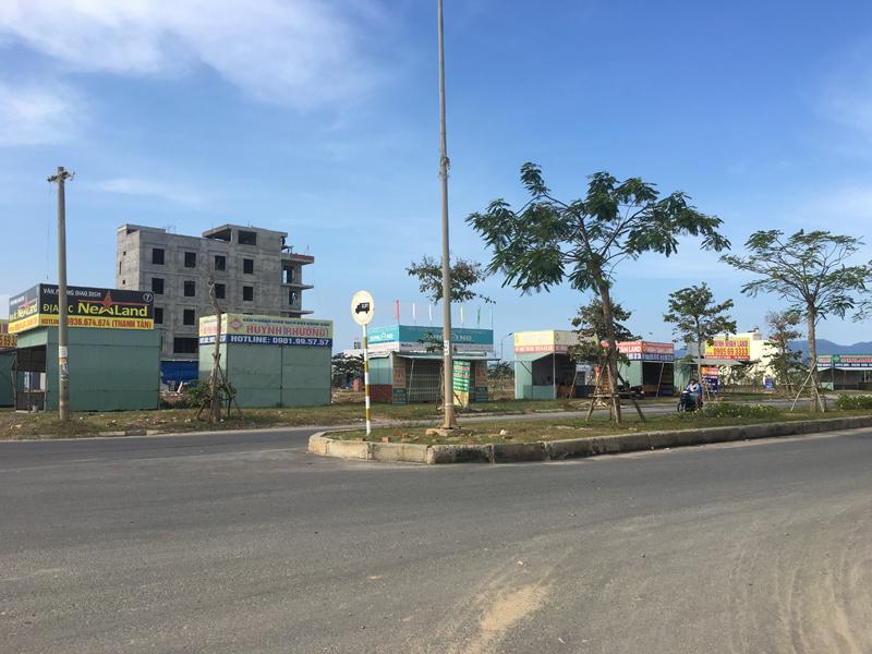Đà Nẵng: Xử lý tháo dỡ các kiot sàn giao dịch bất động sản không đúng quy định