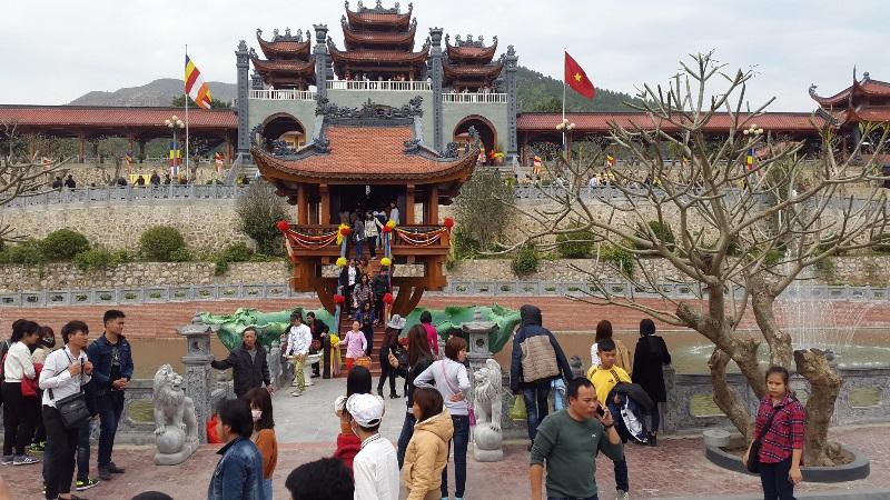 Bộ Văn hóa Thể thao và Du lịch yêu cầu làm rõ thông tin truyền bá vong báo oán tại chùa Ba Vàng