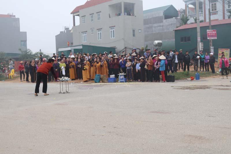 Vụ xe khách đâm vào đoàn người đưa đám tang ở Vĩnh Phúc qua lời kể người dân