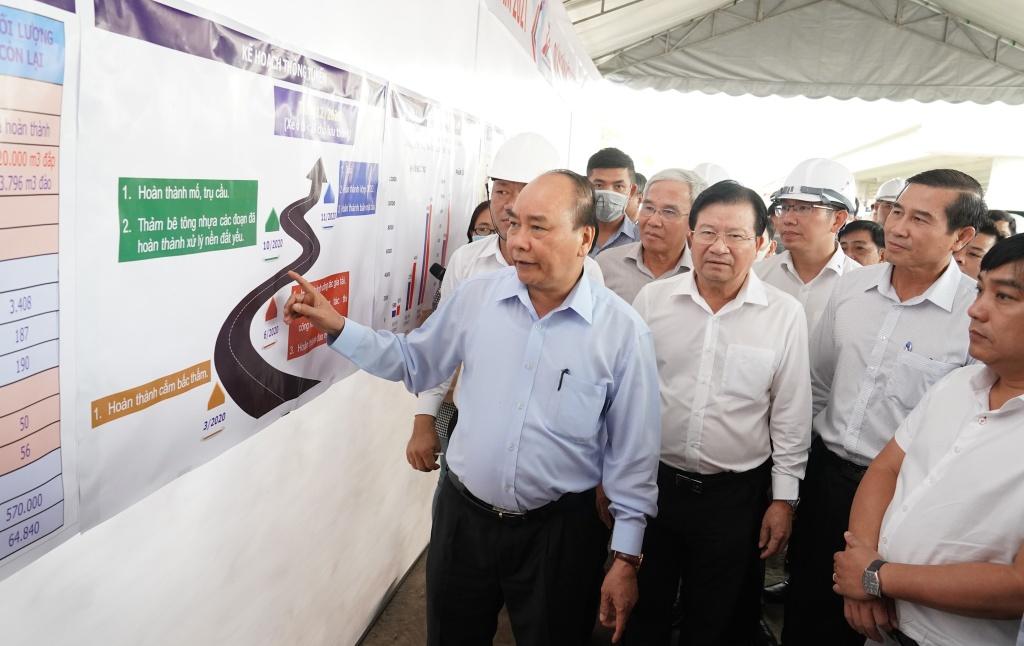 Thủ tướng Chính phủ Nguyễn Xuân Phúc kiểm tra tiến độ cao tốc Trung Lương – Mỹ Thuận