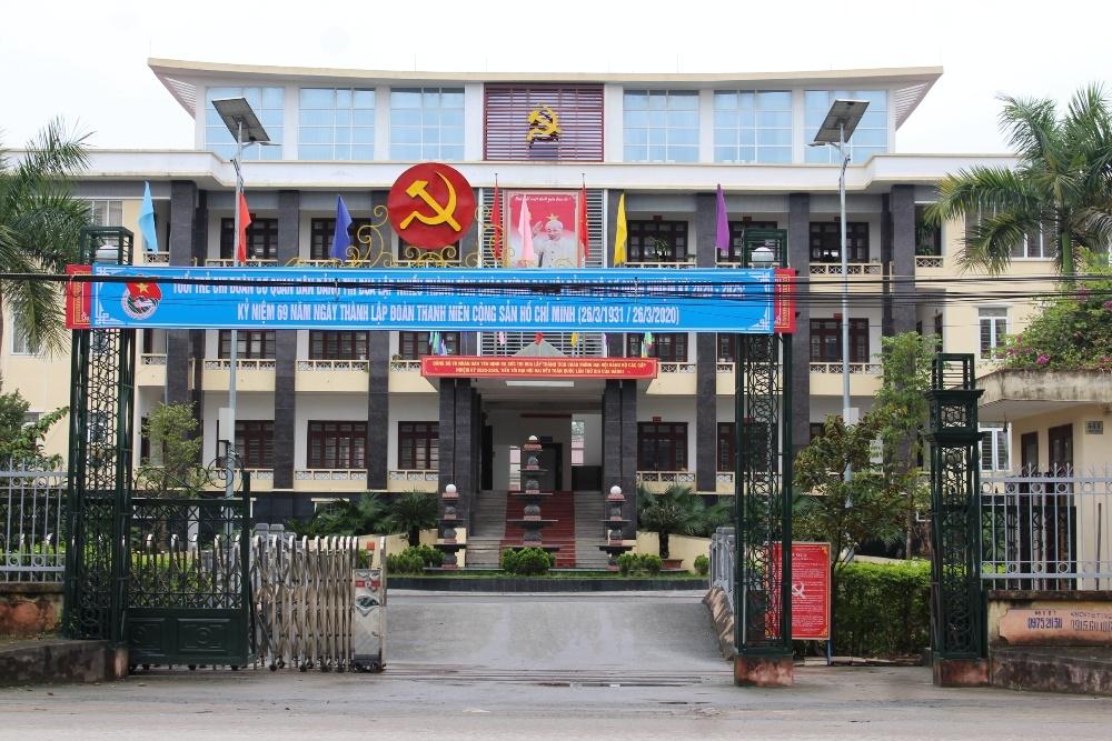 """Yên Định (Thanh Hóa): Nhiều cán bộ, công chức điêu đứng vì bị biến thành """"Chúa Chổm"""""""
