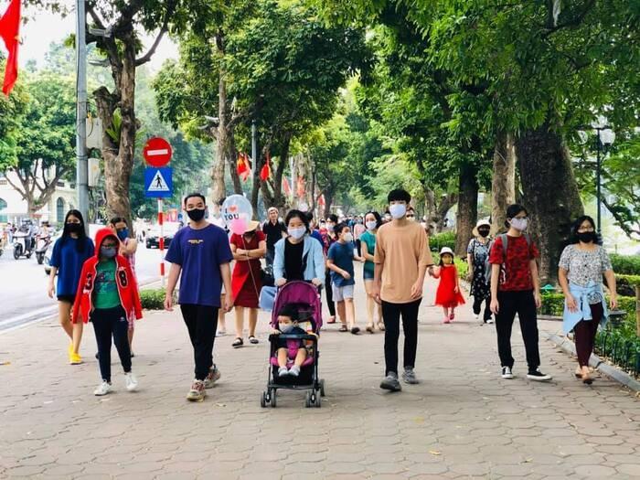 Hà Nội: Phố đi bộ hồ Hoàn Kiếm hoạt động trở lại