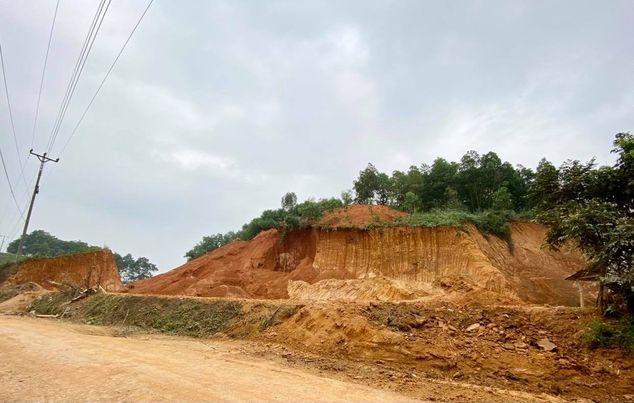 """Hạ Hòa (Phú Thọ): Tài nguyên đất bị """"chảy máu"""""""