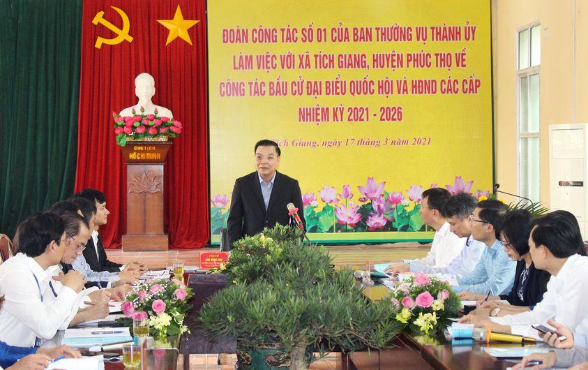 Chủ tịch UBND Thành phố Hà Nội Chu Ngọc Anh kiểm tra công tác phục vụ bầu cử ở huyện Phúc Thọ
