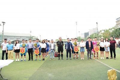 Tưng bừng Giải bóng đá giao hữu CONINCO mở rộng