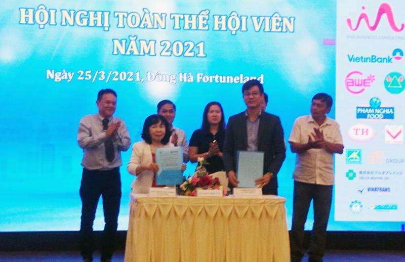Hiệp hội Doanh nghiệp Cần Thơ ký kết hợp tác với Câu lạc bộ Doanh nhân Sài Gòn nhằm cung cấp thông tin và kết nối giao thương