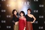 Chị em Mai Thu Huyền đẹp sang trọng trong thời trang của IZAR
