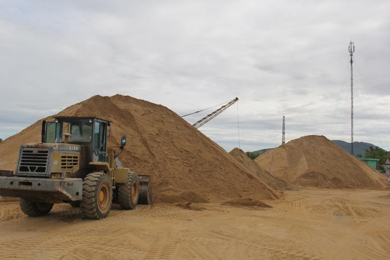 Hà Tĩnh: Điều chỉnh hợp đồng do biến động giá cát xây dựng