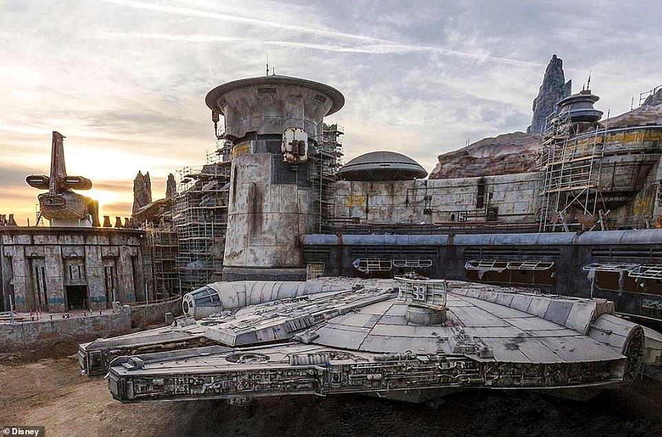 Công viên chủ đề Star Wars trị giá 1 tỷ USD sắp khánh thành