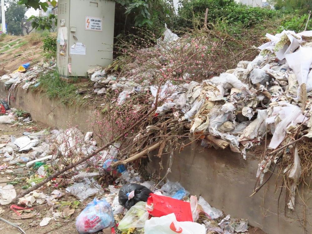 Hà Nội: Giảm dần hỗ trợ từ nguồn ngân sách Nhà nước trong thu gom, vận chuyển, xử lý rác thải