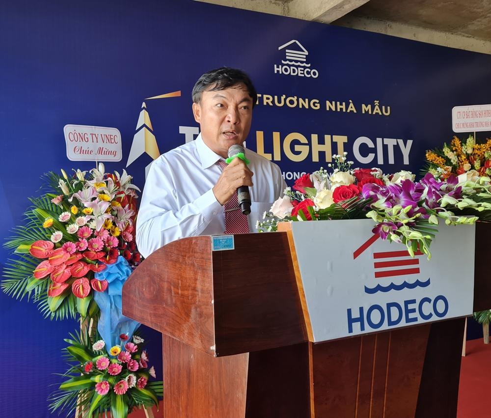 hodeco khai truong nha mau khu do thi the light city